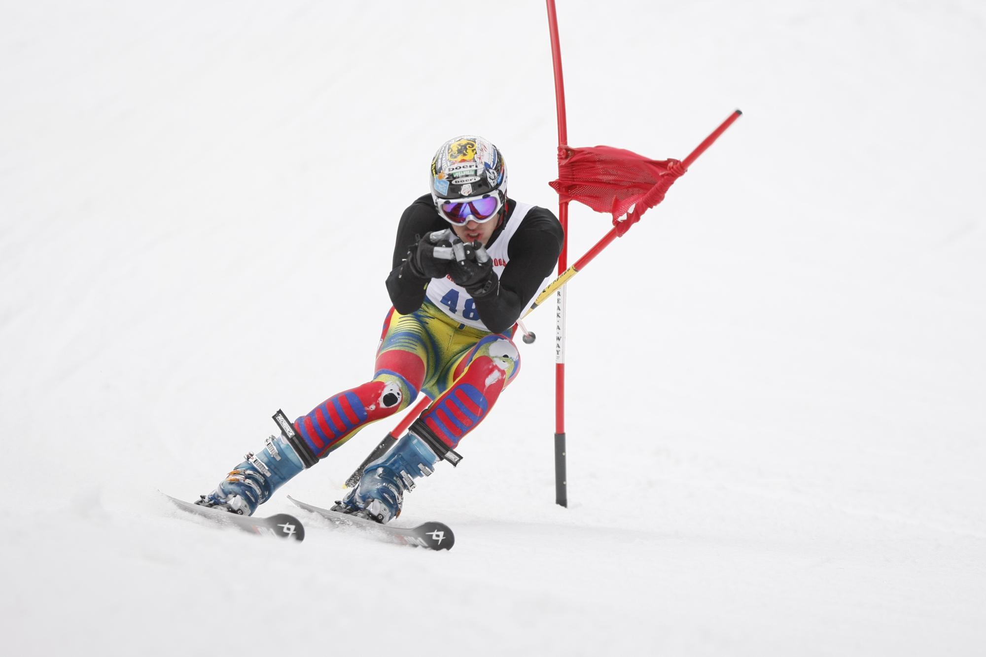 slalom-ski-racer